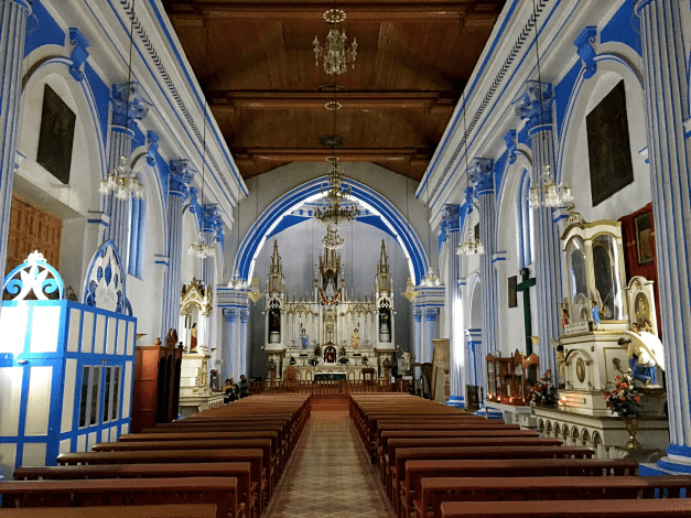 There are a lot of churches in San Cristóbal and, unlike the churches in Europe, these are always in use. This was the particularly beautiful San Lucia.