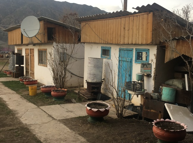 Local Guesthouse, Saty Village