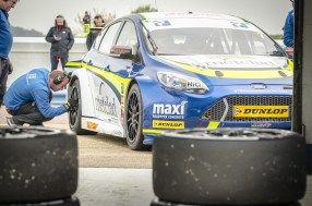 Marking Tyres on the Team Parker Ford