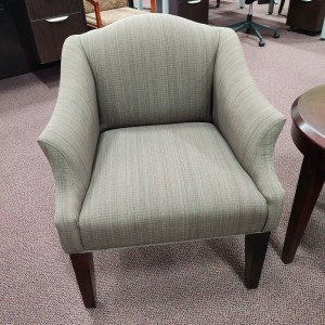 Pre-owned Paoli Lounge Chair