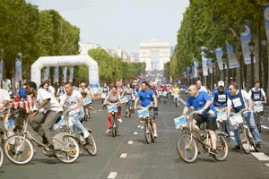 De 8h à 20h, la portion basse des CHamps Elysées sera fermée pour les cyclistes de l'opération 24 h Vélib'.