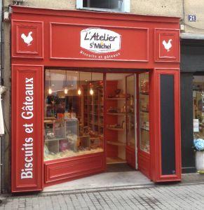 St Michel a déjà ouvert 7 boutiques pour son réseau de distribution L'Atelier St Michel et envisage de poursuivre son développement.