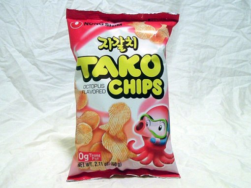 Source : http://bobcanada92.blogspot.com/2012/05/it-came-from-chinese-grocery-tako-chips.html