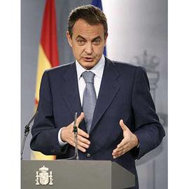 Zapatero estudia fórmulas para eliminar la publicidad de prostitución en prensa