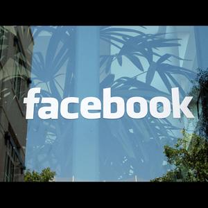 Un hombre reclama la propiedad de Facebook