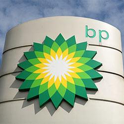 BP admite haber gastado un millón de dólares semanales en publicidad