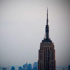 El Empire State abre cuenta en Twitter y Facebook