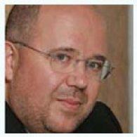 """A. Riesgo (DDB): """"las fusiones de cadenas son la muerte lenta de un gran medio"""""""