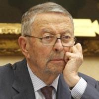 """Oliart dimite como presidente de RTVE, no quiere ser el """"pim, pam, pum"""" de los políticos"""