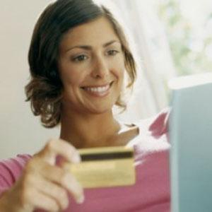 4  de cada 10 españolas se va de tiendas a través de internet