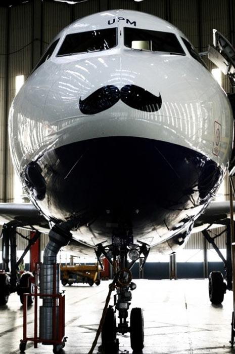 """British Airways y otras aerolíneas se dejan bigote en """"Movember"""""""