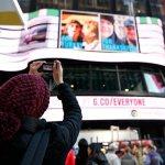 Google transforma el Times Square de Nueva York en una galería fotográfica