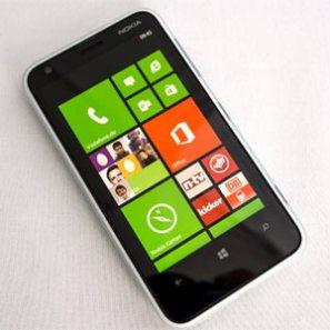 """#MWC13: Nokia Lumia 620, un buen smarpthone, a un precio óptimo y con Windows como única """"pega"""""""