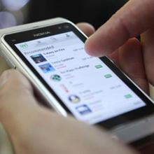 El número de líneas de móviles cayó por primera vez en 2012 en España