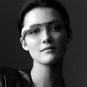 """Por qué las Google Glass y el iWatch de Apple podrían hacer parecer """"tontos"""" a los smartphones"""