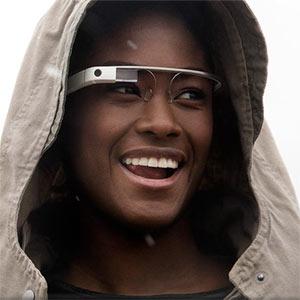 """Las Google Glass no se sacarán del """"horno"""" hasta el año 2014, según Eric Schmidt"""