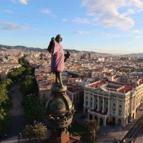 Havas Media Barcelona y Nike visten el monumento a Colón con la equipación del Barcelona de su próxima temporada