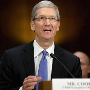 """Tim Cook se """"camela"""" a los senadores estadounidenses y afirma que Apple no evade impuestos"""