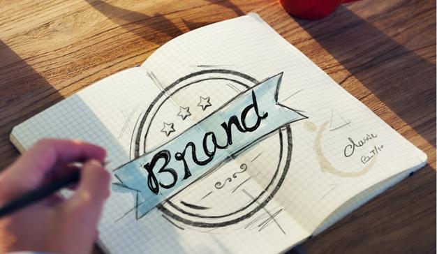 Esta (ficticia) agencia realiza un satírico rebranding del branding
