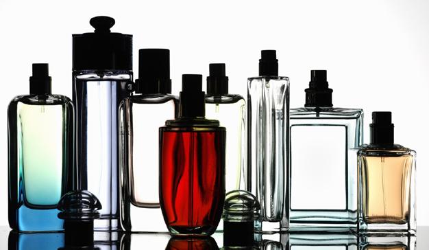 Los españoles gastan casi 6.000 millones euros al año en perfumería e higiene
