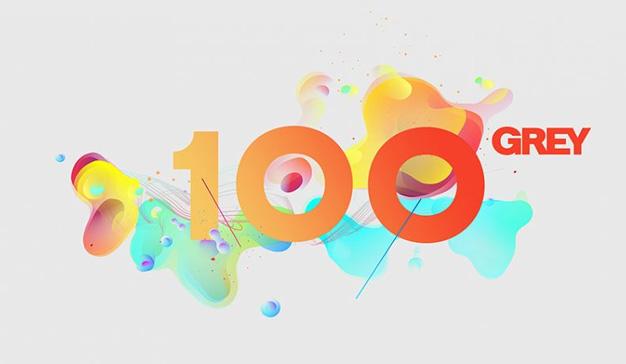 Grey diseña el logo de su 100º aniversario sorbiéndoles el seso (más o menos) a sus empleados