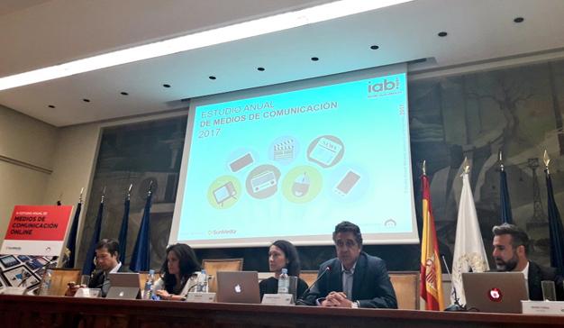 El 62% de los españoles declara consultar medios de comunicación online