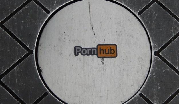 """Pornhub cumple 10 años y lo celebra """"aireando"""" las vergüenzas de sus usuarios"""
