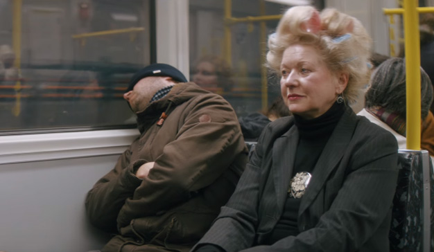 """Si odia coger el metro de buena mañana, le encantará este hilarante y """"despeluchado"""" spot"""