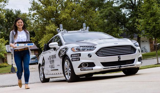 Ford y Domino's se unen para entregar pizzas a domicilio con vehículos autónomos