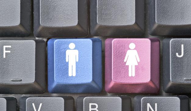 La brecha de género en internet se reduce: la penetración en mujeres alcanza el 44,9%