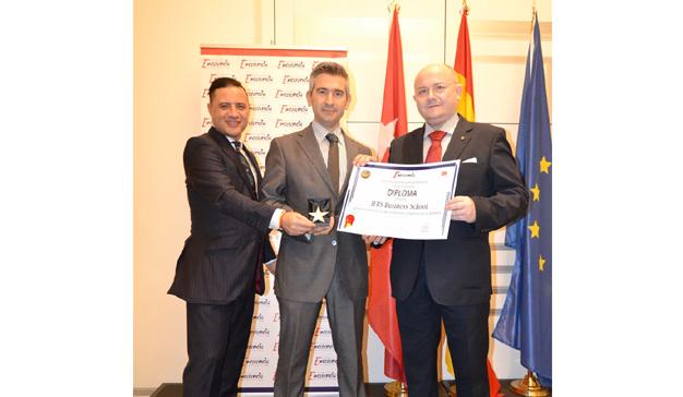 IEBS recibe la Estrella de Oro a la Excelencia Profesional