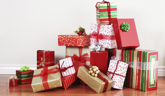 Los españoles se gastarán de media 249 euros en regalos navideños