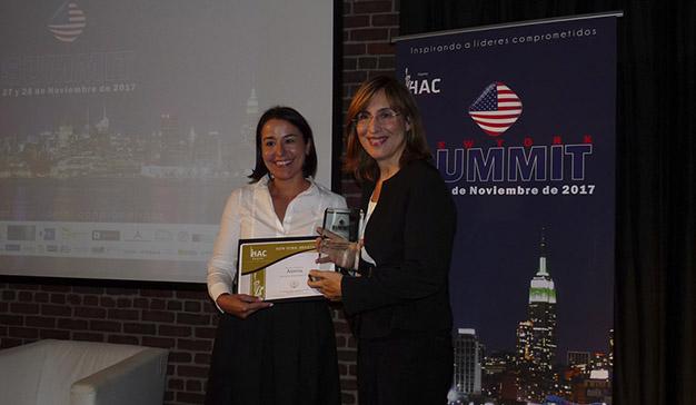 """Núria Vilanova recibe el premio """"Excelencia Empresarial 2017"""""""