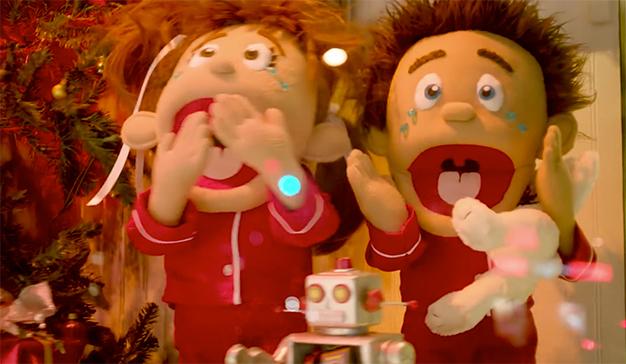 Duracell enseña que la Navidad se puede volver un caos si se eligen las pilas equivocadas