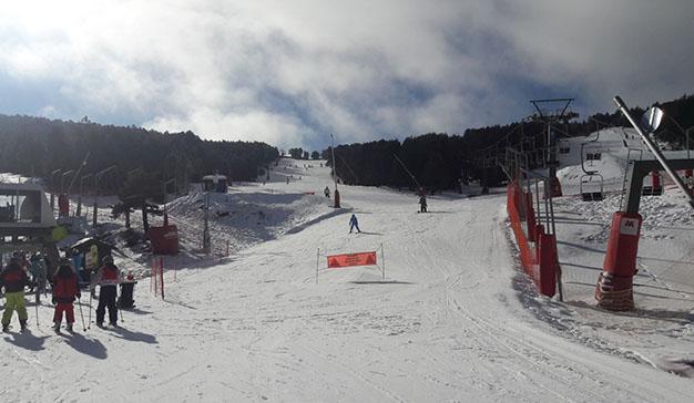Cerler y Teruel festejan el Día Mundial de la nieve con los niños como protagonistas