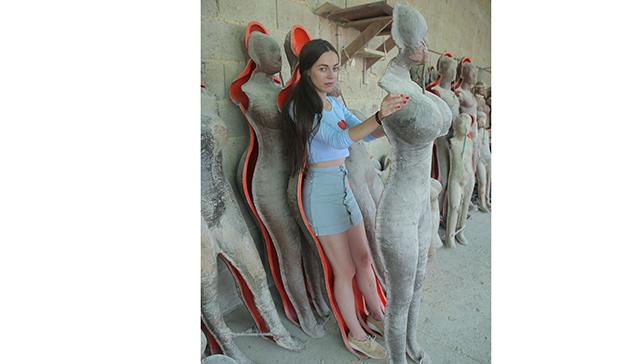 """Odisea estrena """"States of Undress"""", un viaje por las realidades que esconde la moda"""