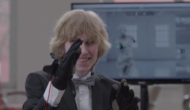 La Galería Nacional de Praga permite a las personas ciegas experimentar el arte gracias a la VR