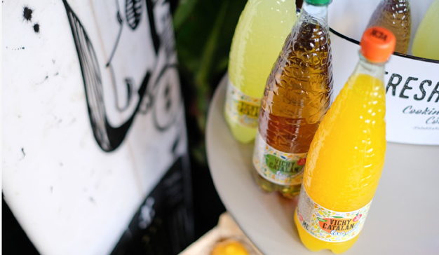 Vichy Catalan presenta su nueva bebida de agua carbonizada con sabor a frutas