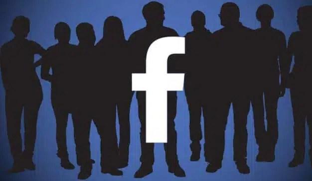 Facebook, a la caza de talento para sus centros de control de contenidos