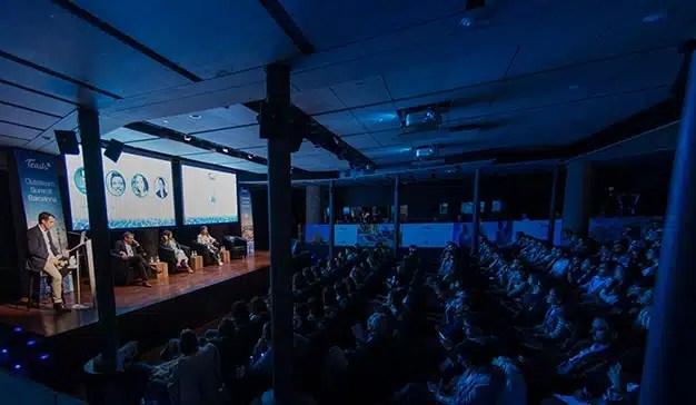 """Cómo adaptarse al """"tsunami digital"""" que  viene para quedarse"""