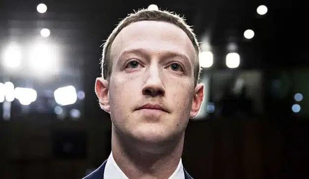 El Parlamento británico insta a la Eurocámara a tener mano dura con Zuckerberg