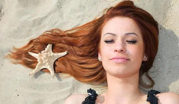 Siete de cada diez mujeres siente que el verano reseca su piel y su melena