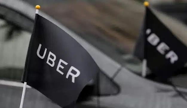 Uber y Cabify paralizan su actividad en Barcelona por los incidentes derivados de las protestas de los taxistas