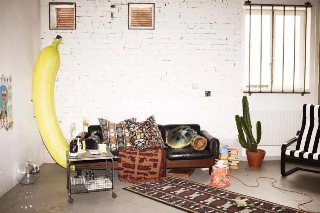 """IKEA cambia el minimalismo por el maximalismo en una colección que es """"feúcha"""" adrede"""