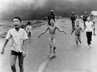 external image nick-ut-kim-phuc-vietnam-war.jpg