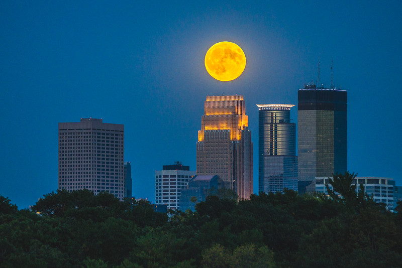Supermoon, Harvest Moon, Minneapolis and moon, Moonrise