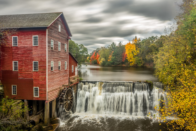Dell's Mill, waterwheel, Dell's Mill Pond, August, Wisconsin