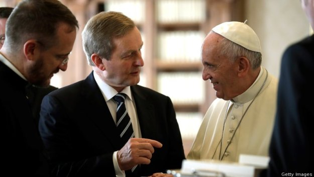 Enda Kenny and Pope Francis. Image from RTÉ.