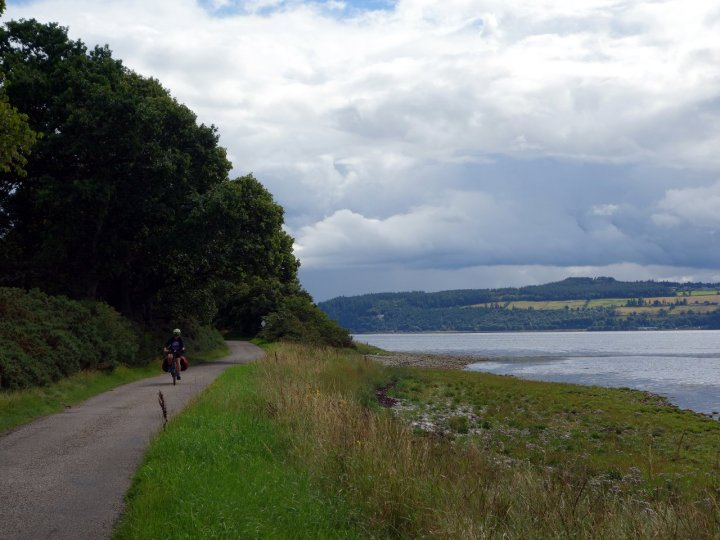 An easy start to the journey along Beauly Firth