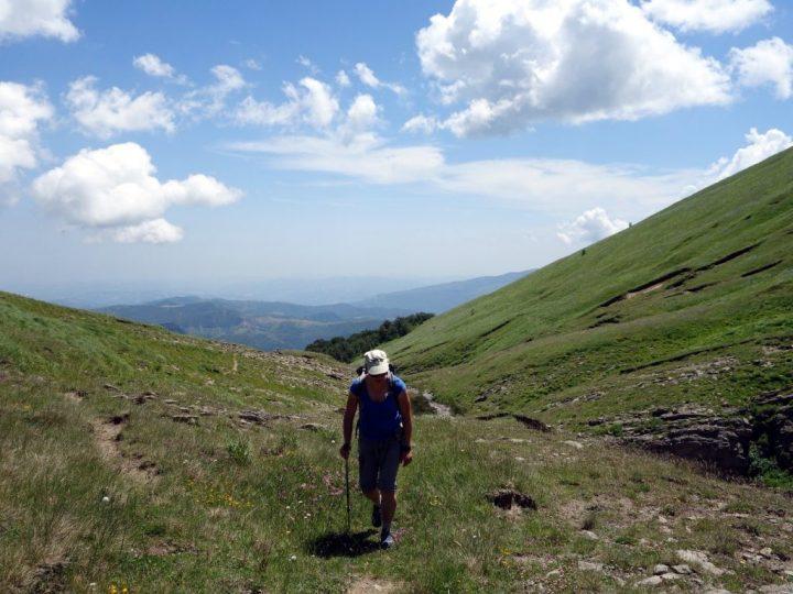 Approaching Sella Laga up a gully through open hillsides
